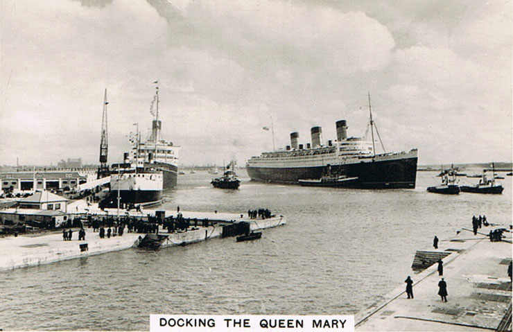 Docking the Queen Mary