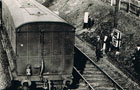 Signal stores train