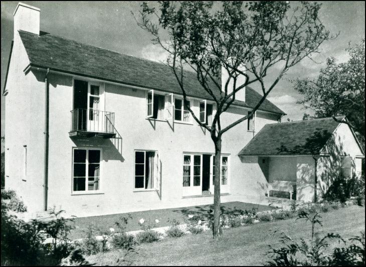 Kitchen Sinks Near Me >> 1930's Housing, House at Seal Chart, near Sevenoaks, Kent