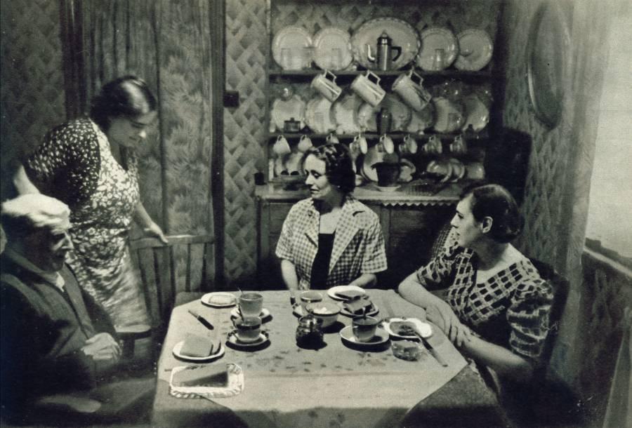 Eleven o'Clock Cocoa in Mrs. Barber's Home